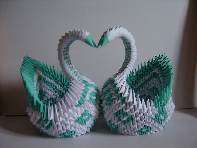 Origami basic instructions embroidery origami for Origami swan folding instructions
