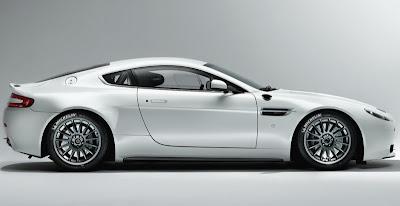 2009 Aston Martin Vantage GT4 side