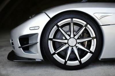 2010-Koenigsegg-Trevita