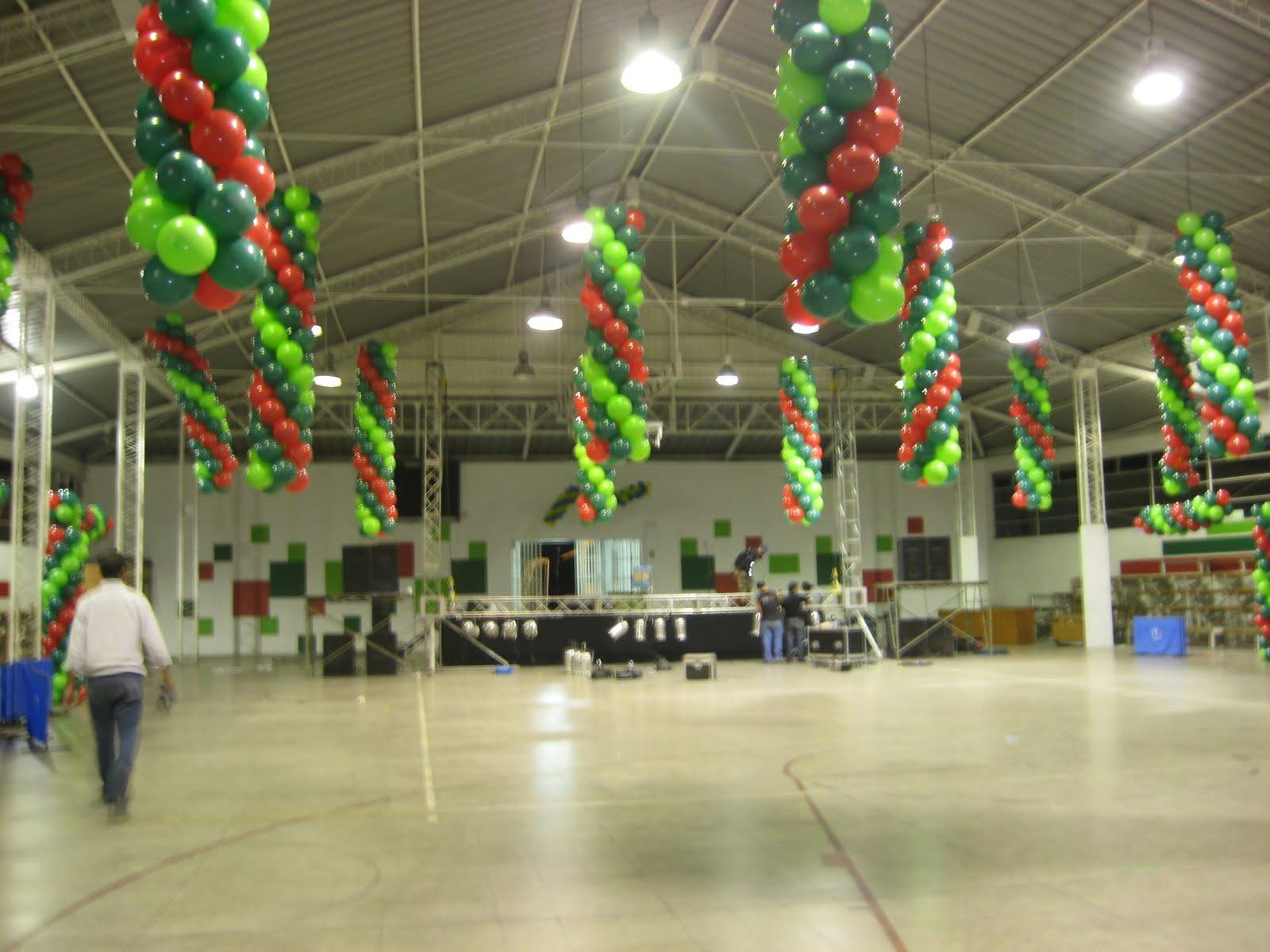 Decoracion con globos trenzas en gimnasio - Decoracion de gimnasios ...