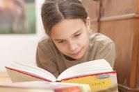 Foto: Uni Ulm,lesendes Kind