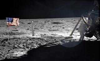 चाँद पर आर्मस्ट्राँग