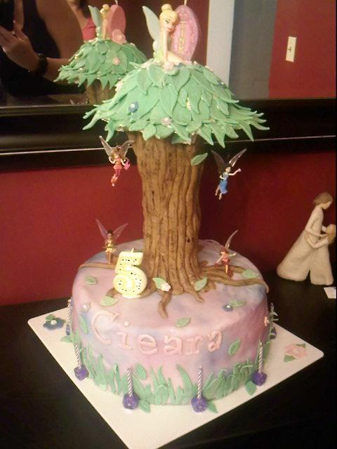 Lick Your Lips Cakes: Tinkerbell Tree Cake