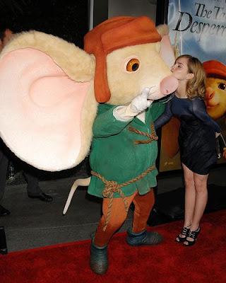 emma watson kissing. emma watson kissing her