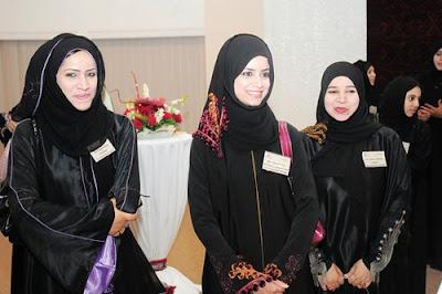 Omani hijab style dresses