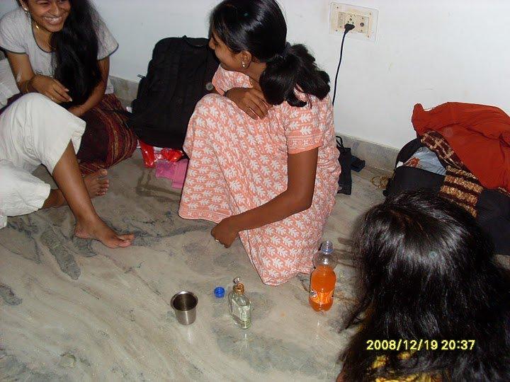 Tamil Pundai Pengal Mulai Paal Kudikum Pelautscom Picture