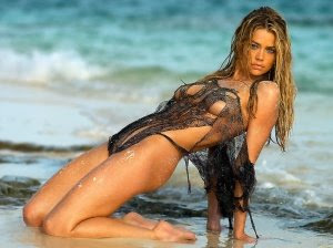 Denise Richards Bikini Photos and Pics