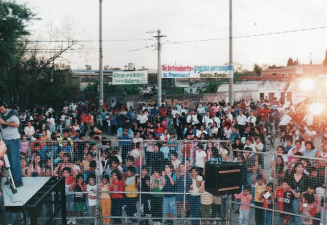 Show en la inauguración del asfalto de barrio Alfonso