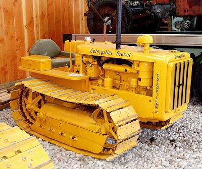 Caterpillar D2 Diesel Tractor