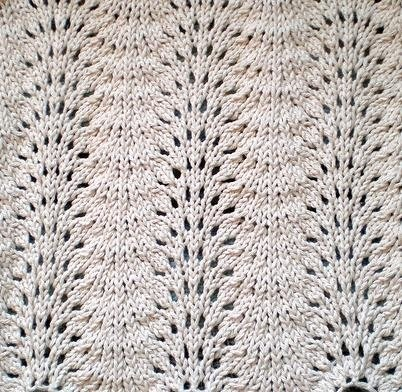 Fan And Feather Afghan Knitting Pattern : KNITTING AND WEAVING TIDBITS!: 10 Day Dishcloth Countdown! Day 4 ~ Feather &a...