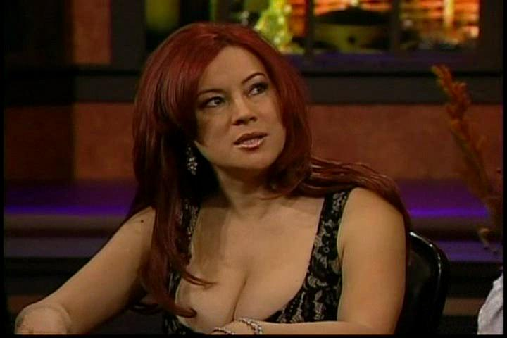 jennifer tilly boobs