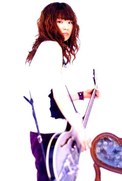 http://3.bp.blogspot.com/_ouYi1CpbZuE/TRrHMIG5mKI/AAAAAAAAALA/BhMfYsyjpCQ/s1600/ringo+shiina.jpg