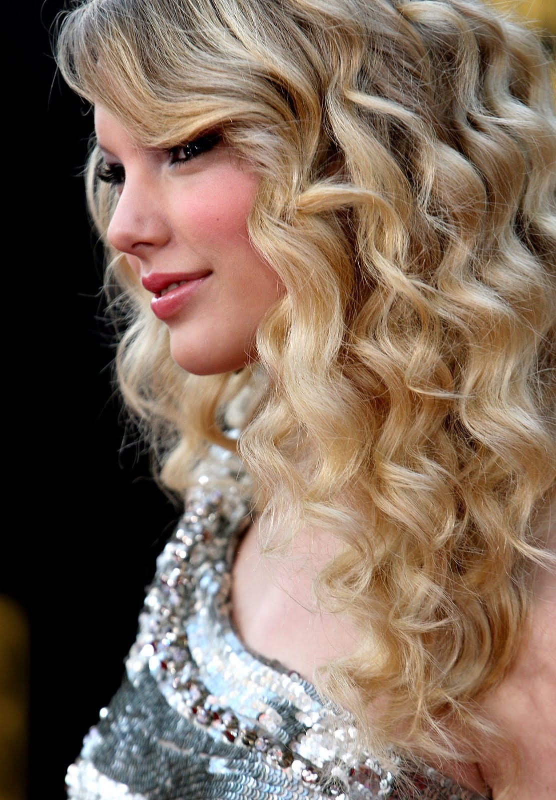 Taylor Swift Natural Hair, Long Hairstyle 2011, Hairstyle 2011, New Long Hairstyle 2011, Celebrity Long Hairstyles 2036