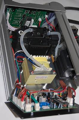 Конструкция термовоздушной паяльной станции для бессвинцовой пайки AOYUE 2702A+