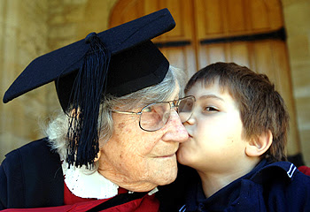 Phyllis Turner, oldest person to earn a masters degree