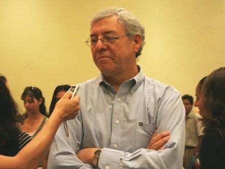 Desprecia foro universitario a Gabriel Hinojosa