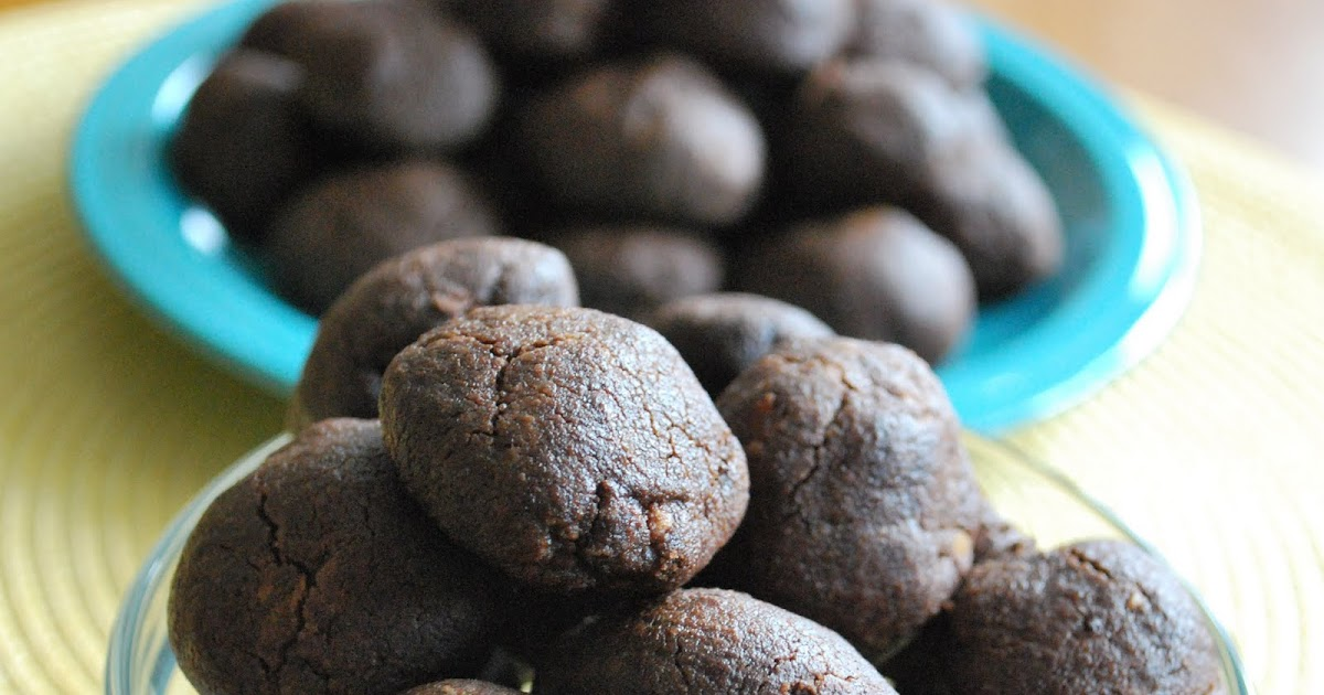 The Capitol Baker: Chocolate Olive Oil Cookies