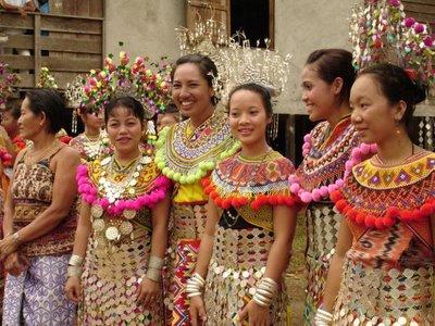 pakaian tradisional wanita suku kaum iban pakaian tradisional cina