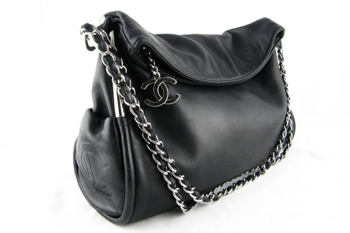 chanel black ultimate shoulder bag potero price 1 599