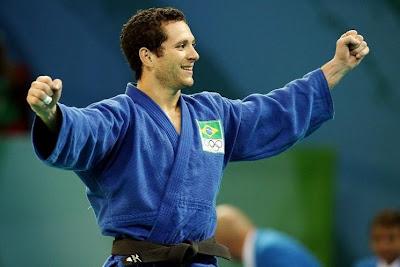 http://3.bp.blogspot.com/_oxho0701c5A/SKF9-OYjMsI/AAAAAAAAAec/iKq5TwYgzWo/s400/12_agosto_tiago_camilo_bronze_judo.JPG