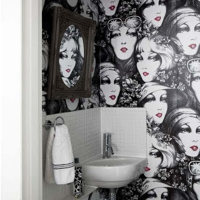 Bathroom Wallpaper on The Girl In The Brick House  Wallpapering Bathrooms