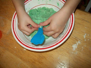 Play Dough Fun www.blissfulanddomestic.com