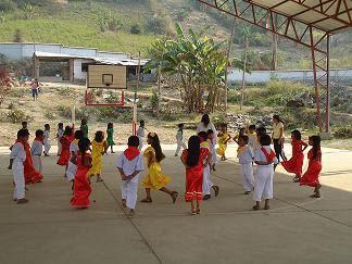 niños colegio cuajata