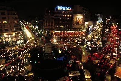 Paris for Place de clichy castorama
