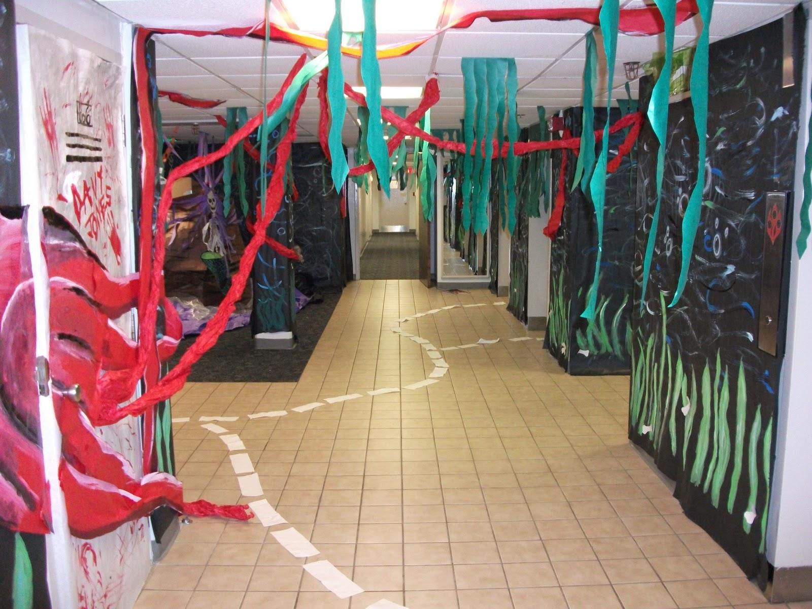 West side wampus cats morrill hall halloween decorations - Deco hal halloween ...