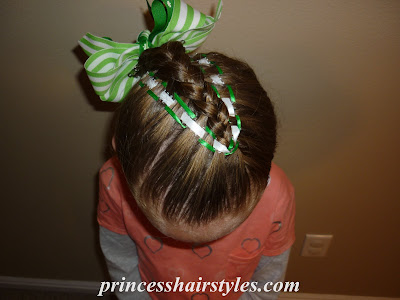 hairstyle using ribbons