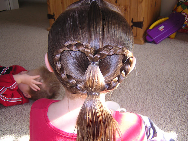 quick easy & cute heart ponytail