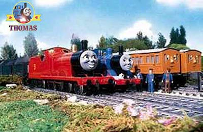 Train Percy James and the fruitful day with Thomas the train passenger coaches Annie and Clarabel