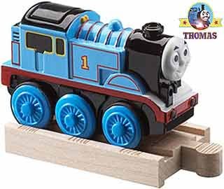 Thomas and friends wooden railway roundhouse toy track layout set Thomas the tank engine locomotive