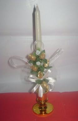 Velas Decoradas con Ramo de Flores Artificiales