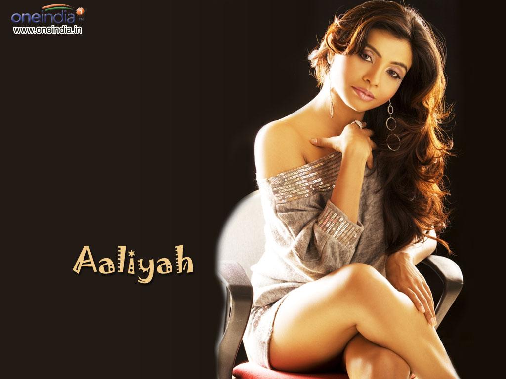http://3.bp.blogspot.com/_p2EstT5Z5BU/THsYR7xiLtI/AAAAAAAAAl4/-dRczSqRoN0/s1600/Aaliyah+Wallpapers+aaliyah03.jpg