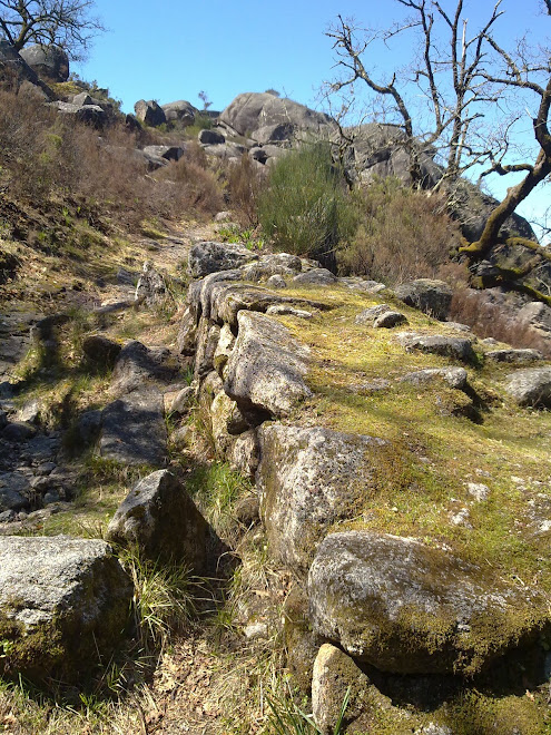 Ruínas da muralha da cidade da Calcedónia