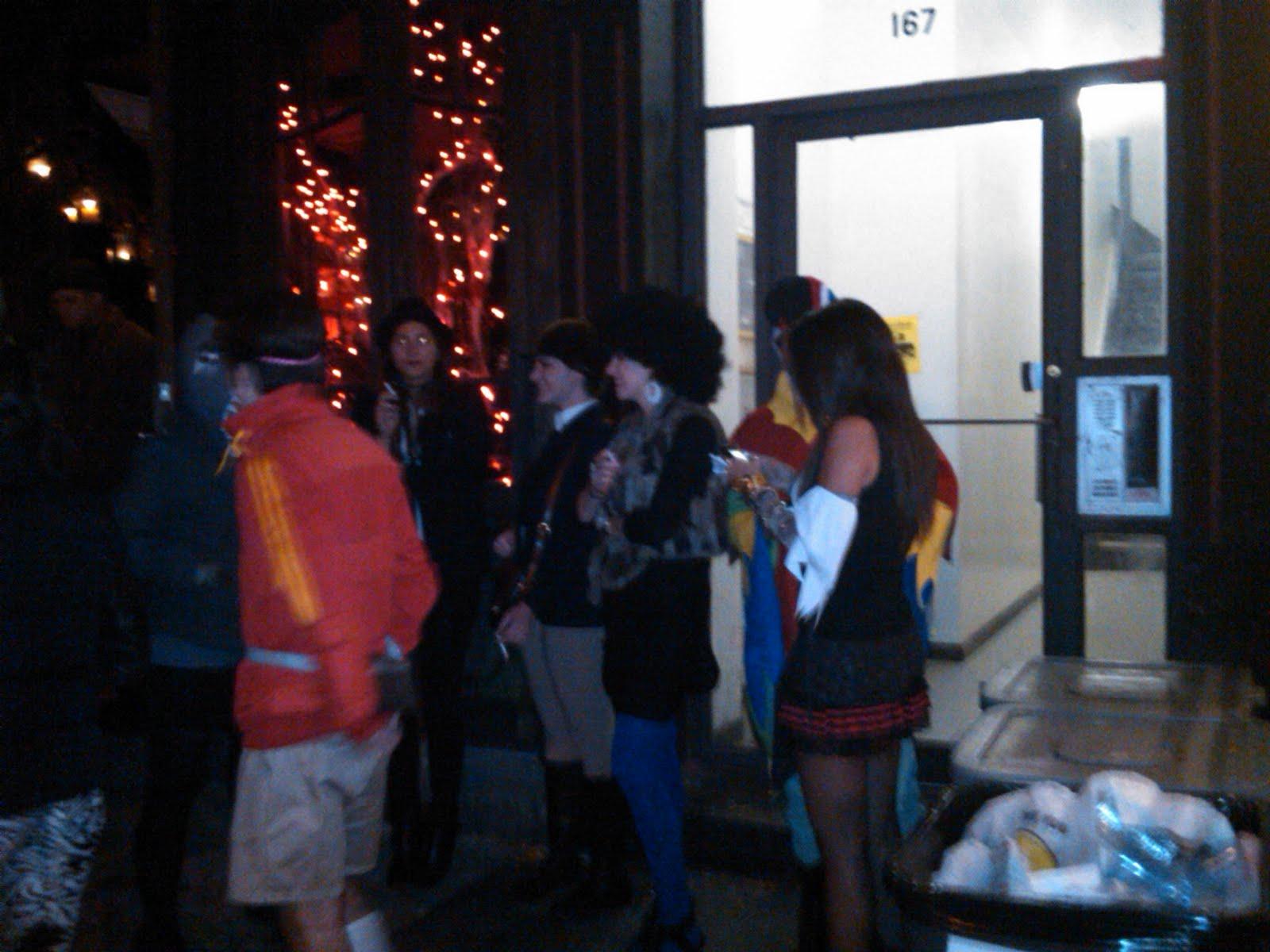 EV Grieve: Halloween outside Diablo Royale Este