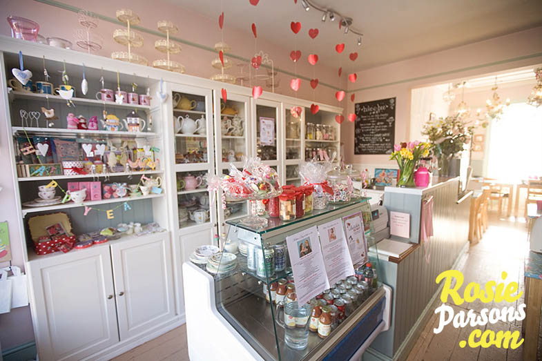 Bonitanostalgia salones de te y cupcakes - Adornos para salon de casa ...