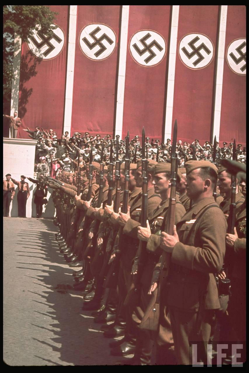 la légion condor et aviation italienne Legion+Condor+on+its+return+from+Spain+in+Berlin,+6+June+1939d