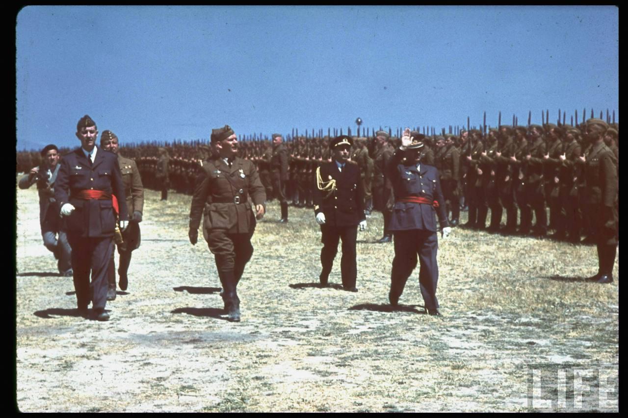 la légion condor et aviation italienne Wolfram+Freiherr+von+Richthofen+inspecting+Legion+Condor+in+Spain,+May+1939