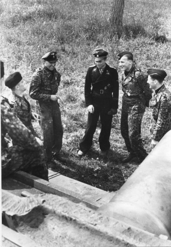 les WAFEN SS Woll+%26+LAH+warriors.+Hans+Höflinger,+Georg+Lötzsch,+Michael+Wittmann,+Karl-Heinz+Warmbrunn+%26+Bobby+Woll