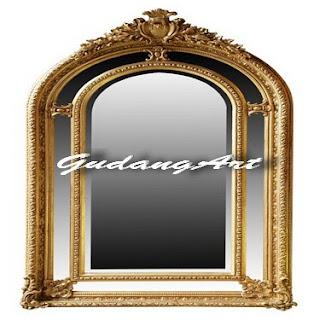Berbagai macam bentuk bingkai cermin tersaji di rumah salah satunya ...