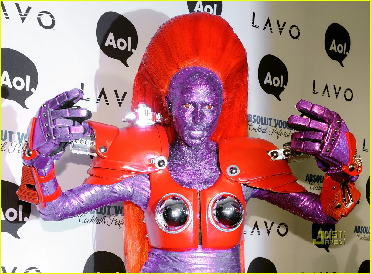 http://3.bp.blogspot.com/_p3oEk8kIki4/TM7NYxshBGI/AAAAAAAACEw/zCPVbF5eMqQ/s1600/heidi-klum-halloween-party-with-kesha-19.jpg