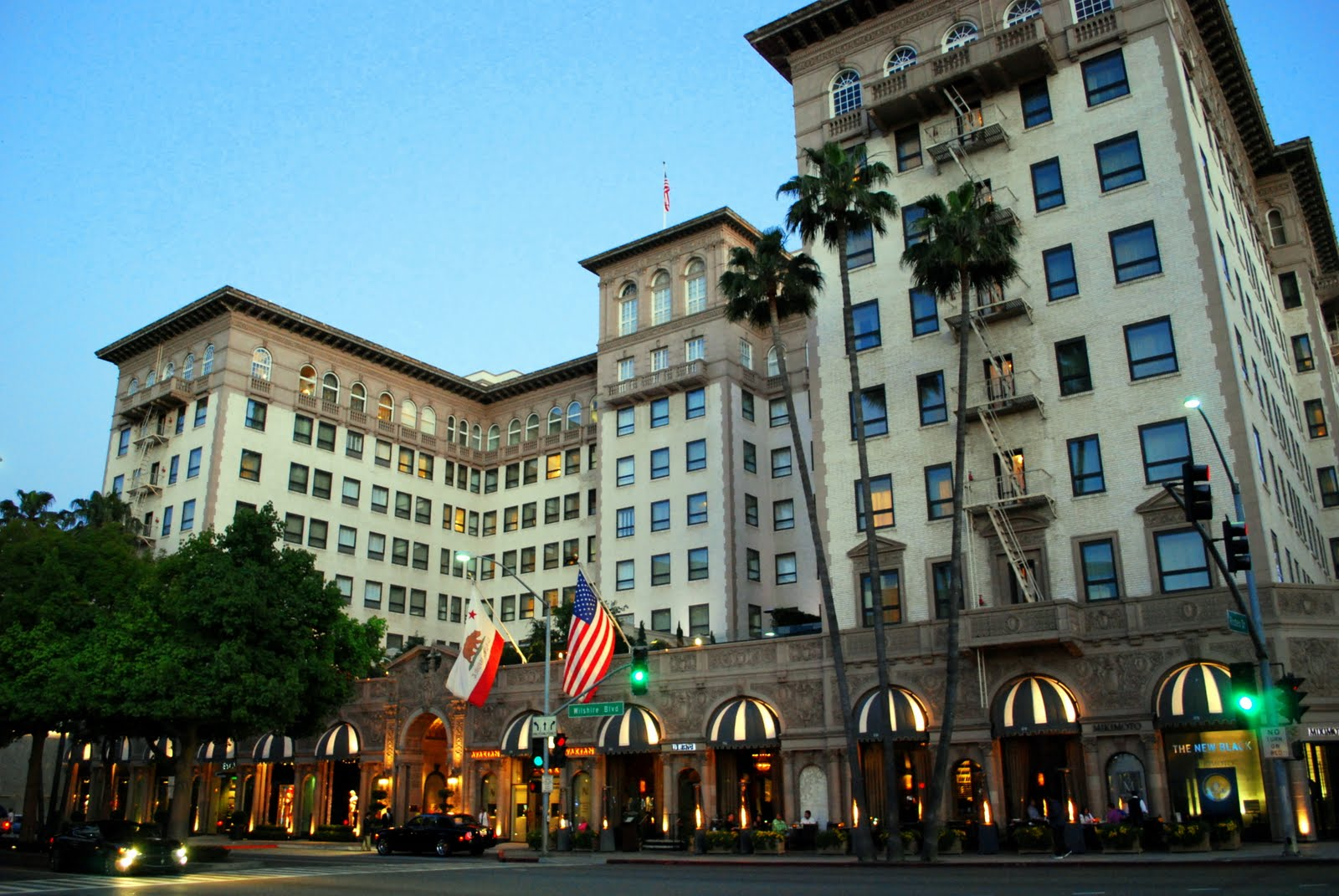 Located At The Famous Intersection Of Rodeo Drive And Wilshire Boulevard Stands Landmark Beverly A Four Seasons Hotel