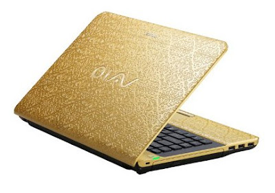 Sony VAIO Gold Holiday Signature collection