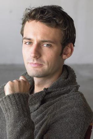 Callum Blue will be reprising his role as Zod for one episode of Smallville.