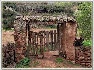 Paisajes port n rustico for Porton madera antiguo