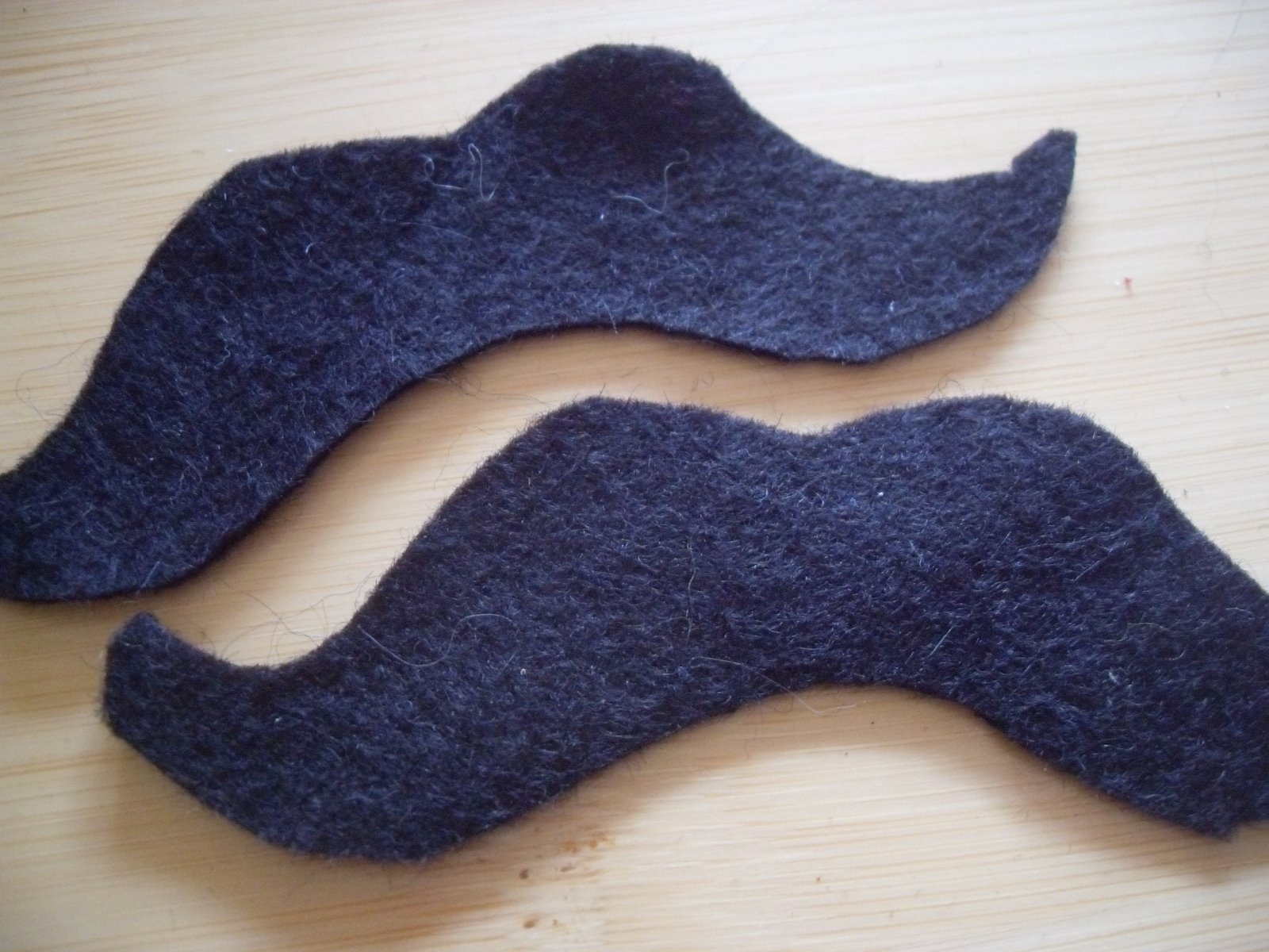 [moustache+005.jpg]