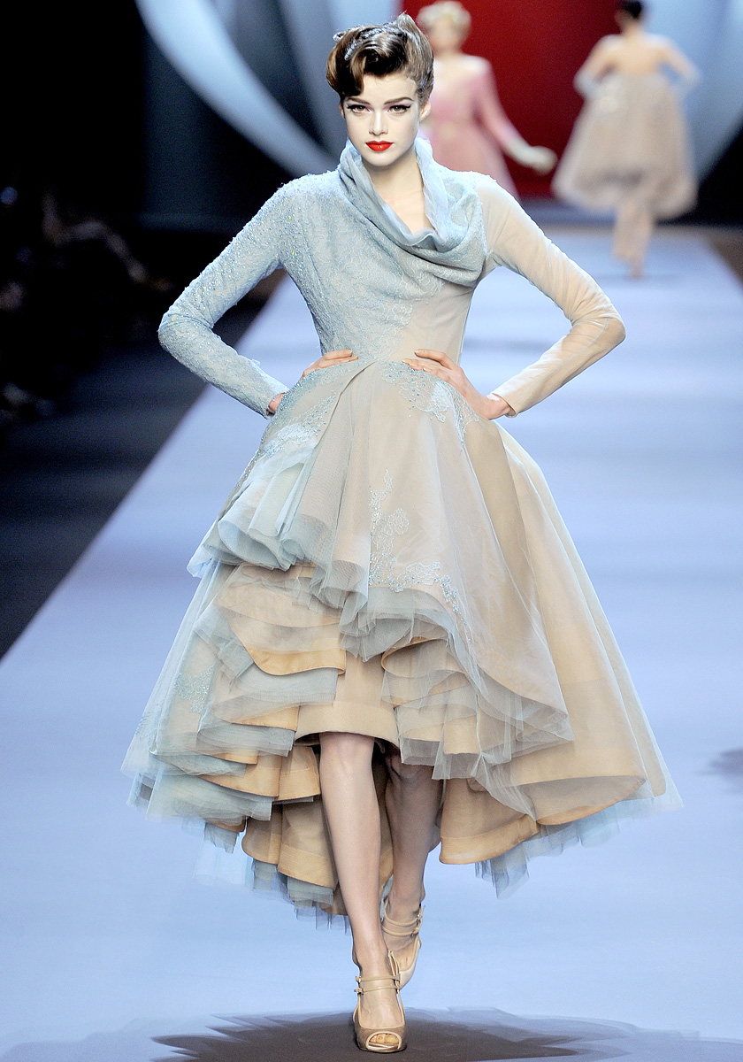 Spry On The Wall Christian Dior Couture Spring 2011