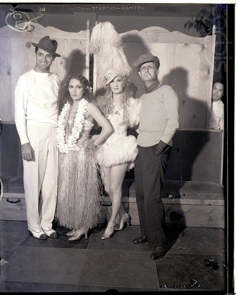 I Adore This Image Of Cary Grant Mary Pickford Countess De Frasso And Trullio Carminati At The Vendome Cafe In Hollywood For A Costume Party